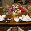 Особенности столов для ресторанов